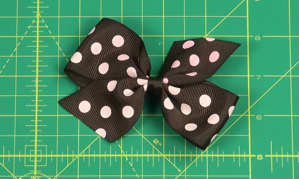 Completed Pinwheel Hair Bow Ver. 1